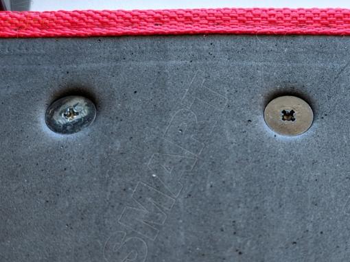 Шильдик металлический с установкой